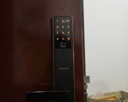 Khóa cửa vân tay Samsung cao cấp