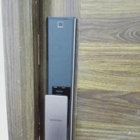 Lắp đặt khóa cửa vân tay Samsung SHP-DP738 tại Hà Nội