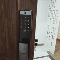 Lắp khóa cửa điện tử, khóa vân tay cho cửa cũ
