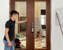 Lắp khóa cửa vân tay cao cấp tại Hà Nội