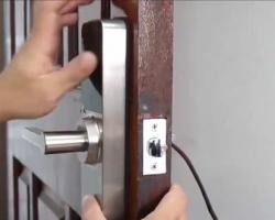 So sánh khóa cửa thông minh và khóa cửa truyền thống