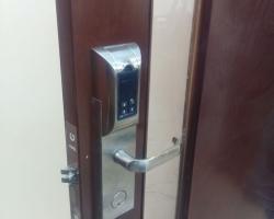 Hướng dẫn sử dụng khóa cửa điện tử Adel đúng cách nâng cao tuổi thọ