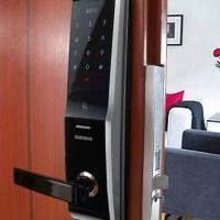 Chọn khóa cửa điện tử cho cửa gỗ phù hợp