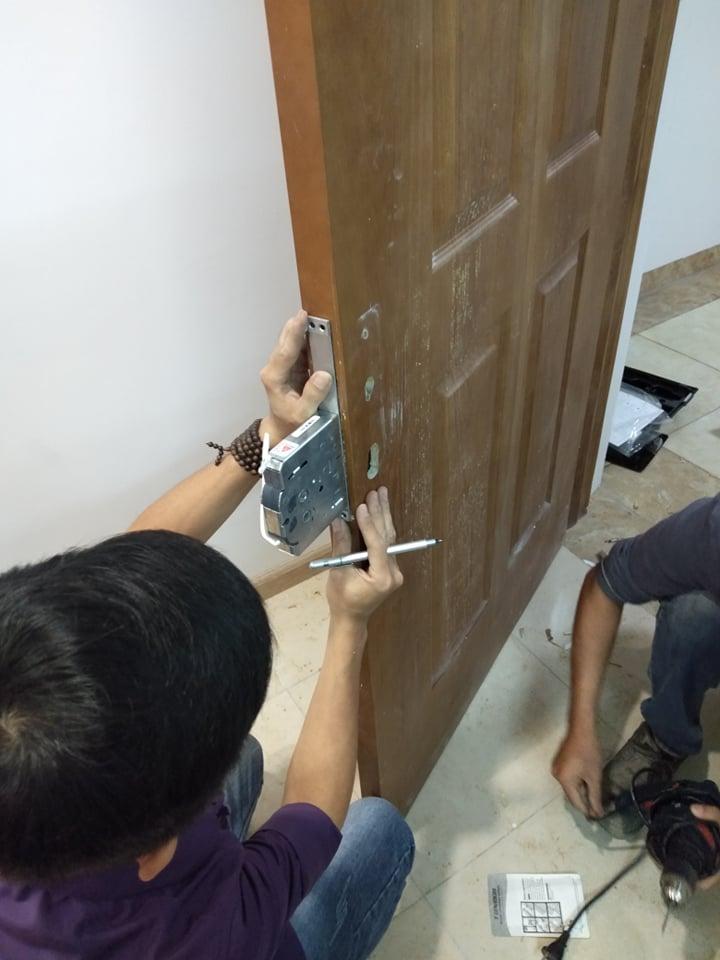 Tư vấn lắp đặt khóa vân tay tại Long Biên