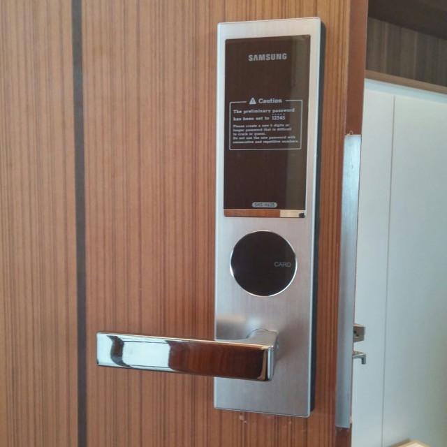 Thương hiệu khóa cửa điện tử thông minh