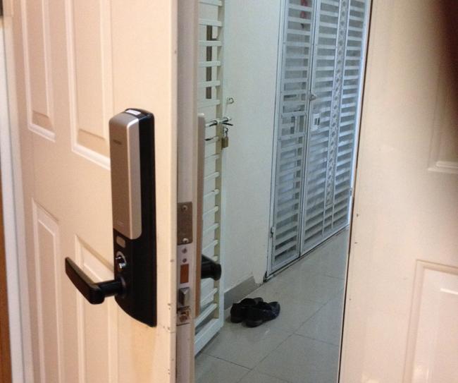 TIMELOCK lắp đặt khóa cửa điện tử tại Hoàng Mai giá rẻ