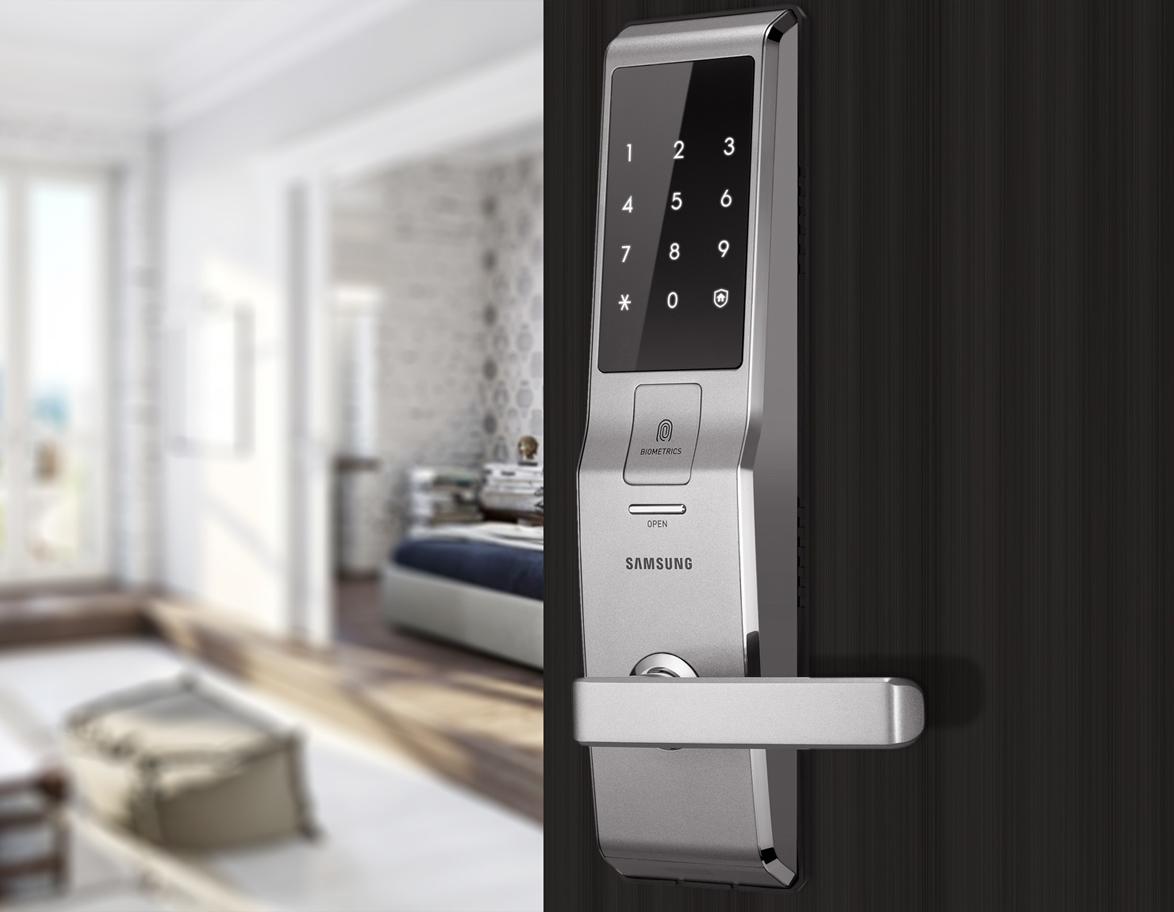 Lắp đặt khóa cửa  thông minh ở Q.3 TP.HCM
