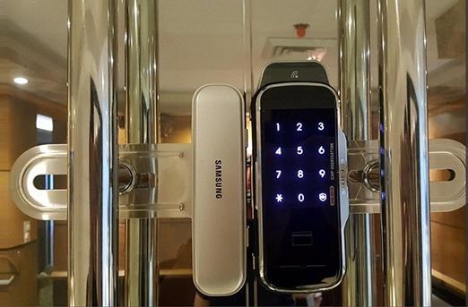 Sử dụng khóa điện tử thông minh Samsung thêm độ an toàn