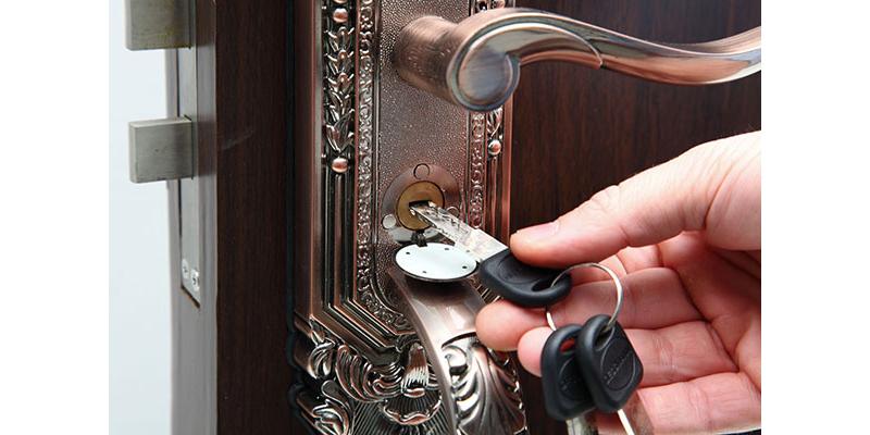 Vì sao nên chọn khóa cửa vân tay thay vì khóa cơ?